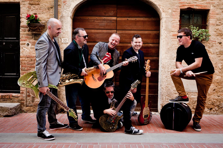 Irish Band Run Amuck On The Street In Sienna